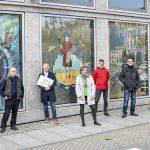 Vlnr: Wulf Brandstädter (Architekt a.D. und Ideengeber), Günter Giseke (Künstler), Mark Lange (SMG), Angela Papenburg, Steffen Ahrens (Künstler), Bernd Baumgart (Künstler), Hans-Joachim Triebsch (Künstler) und Dirk Neumann (HWF). Foto: Jan Sobotka.
