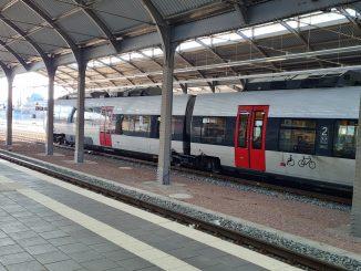 Zug DB Bahnhof