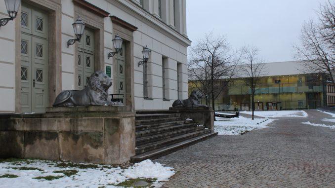 Uniplatz Löwengebäude MLU Martin-Luther-Universität