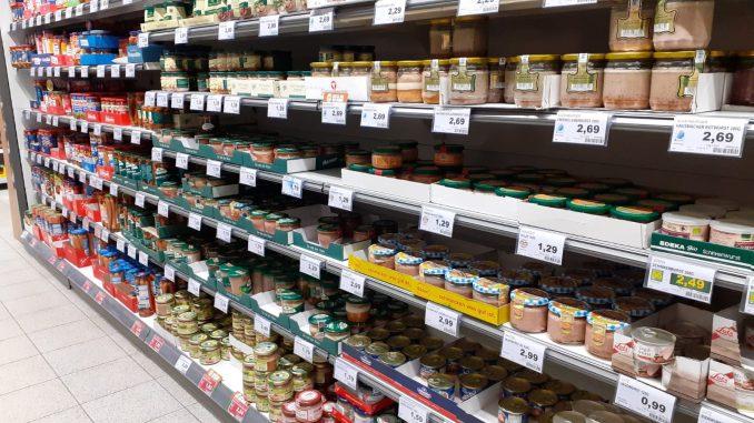 Konserven Lebensmittel Regal