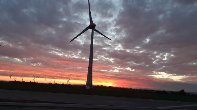 Windkraft Windrad Strom Umwelt Klima alternativ nachhaltig