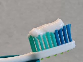 Zähne Zahnbürste